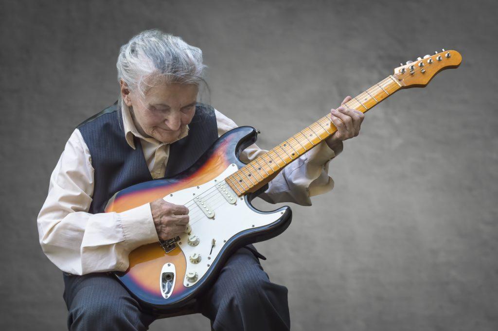 tocar guitarra idade